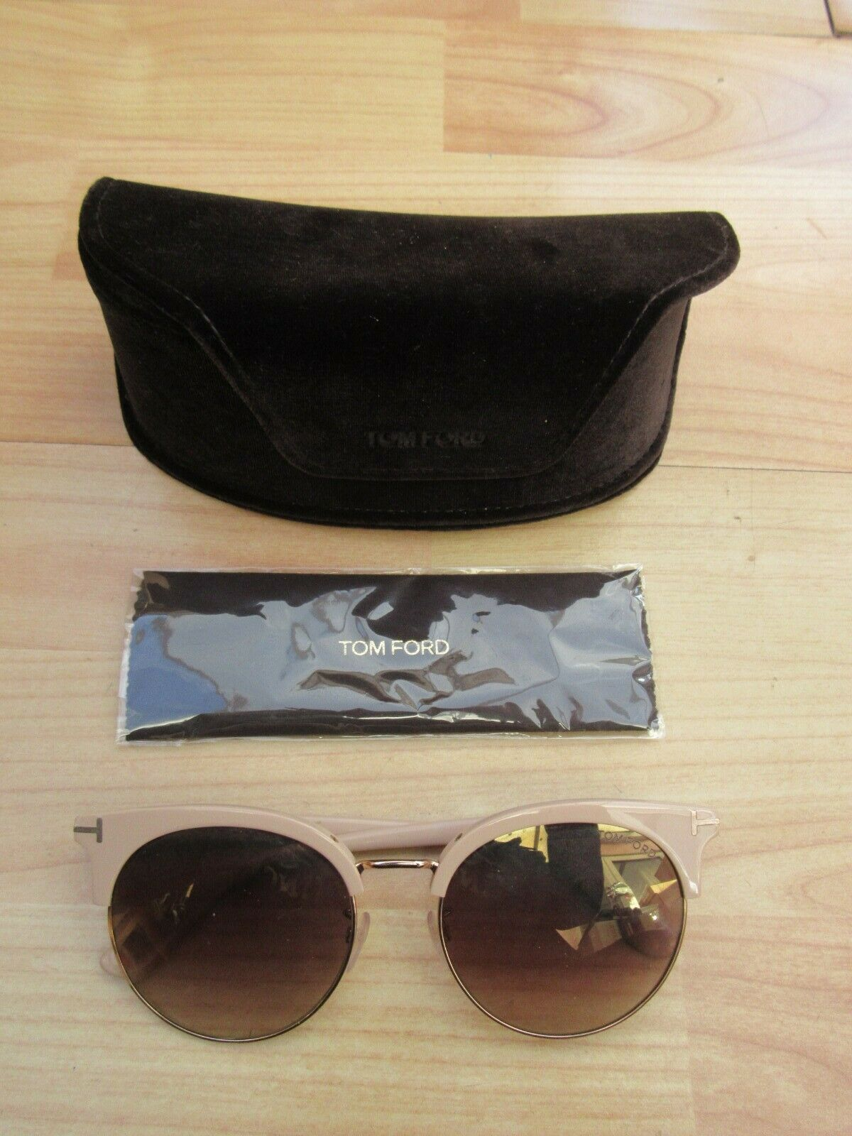 100% Genuine Tom Ford Sunglasses - Used w case - Good Condition