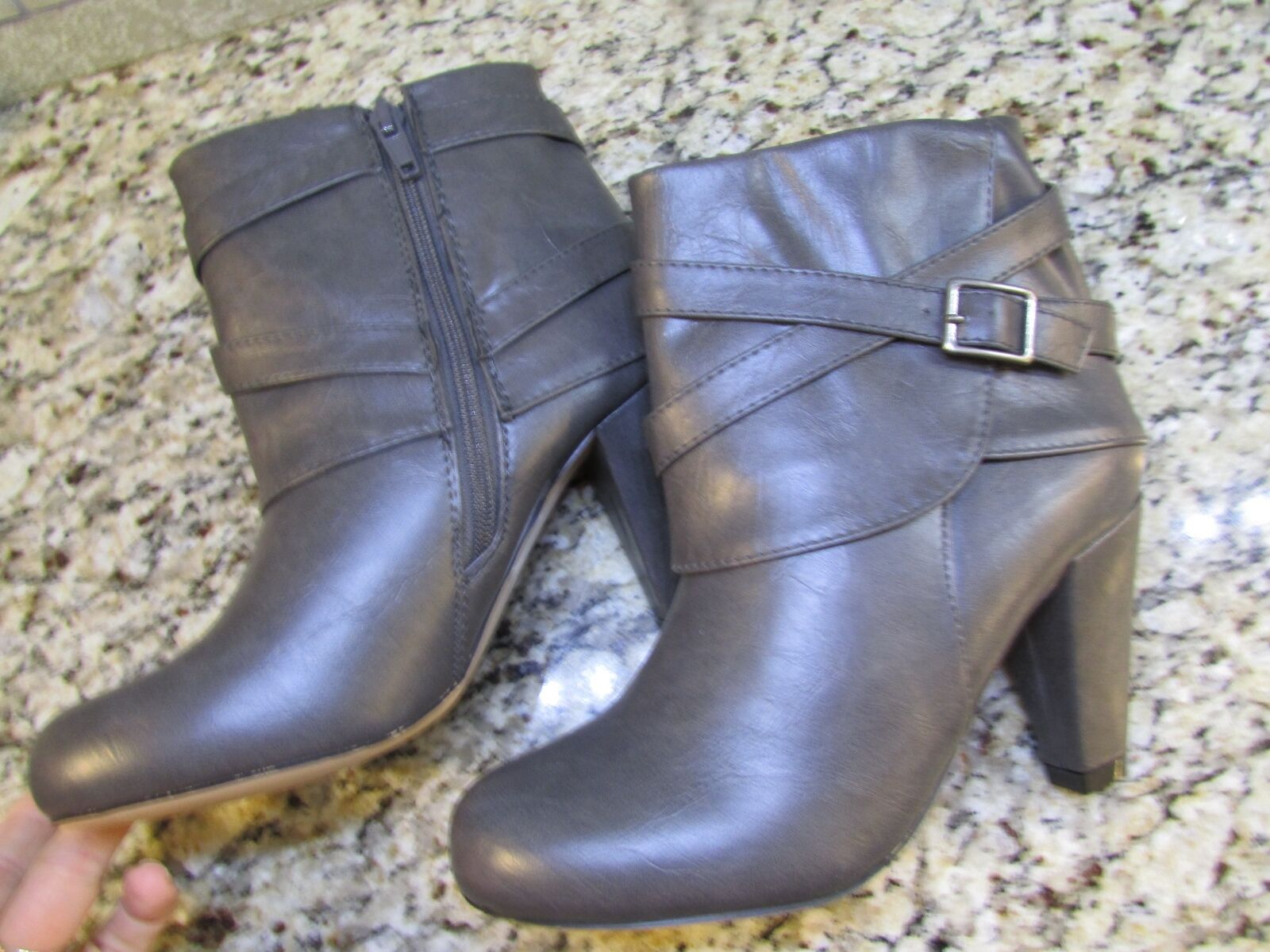NEW STEVE MADDEN MADDEN GIRL PLAAZA BOOTIES Damenschuhe 7.5 GREY ANKLE  FREE SHIP