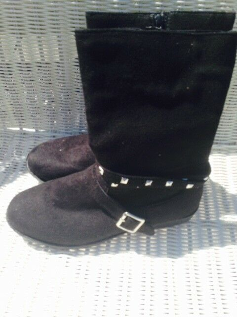 Ladies Black Faux Suede w/ zippers Wrap around studded straps Boots Size 7 NWT