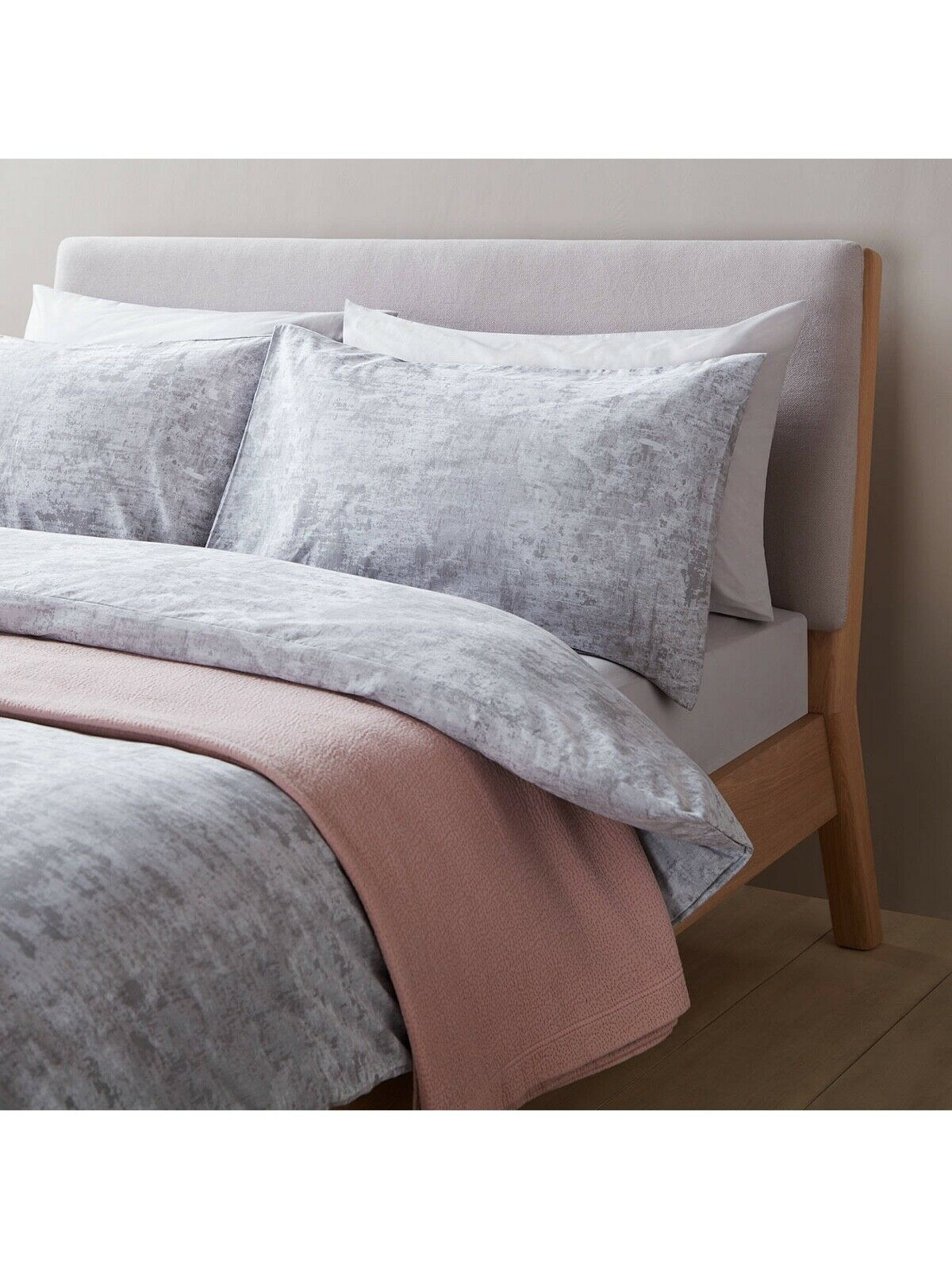 JOHN LEWIS DESIGN PROJECT 162 SUPERKING DUVET COVER WITH TWO PILLOWCASES 300 T C