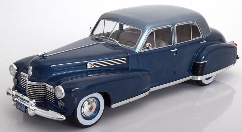 MCG MCG MCG 1941 Cadillac Fleetwood Serie 60 Special Sedan bluee Light bluee 1 18 Scale ce1d15
