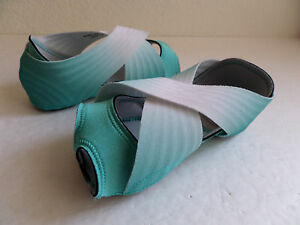 Nike-Studio-Wrap-3-Women-039-s-Training-Shoe-Light-Retro-Platinum-684864-403