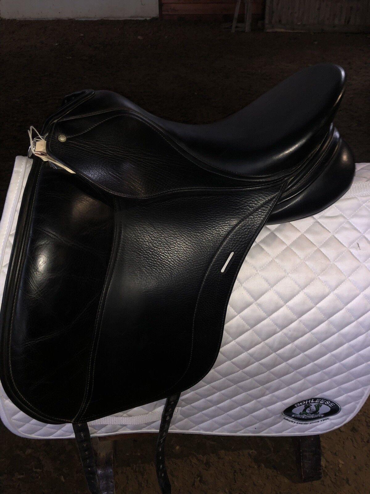 17.5  Jes Elite Plus dressage Saddle