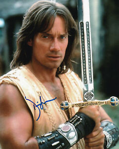 KEVIN-SORBO-039-Hercules-039-Signed-8x10-Photo-PSA-DNA-BAS-Guaranty-Auto