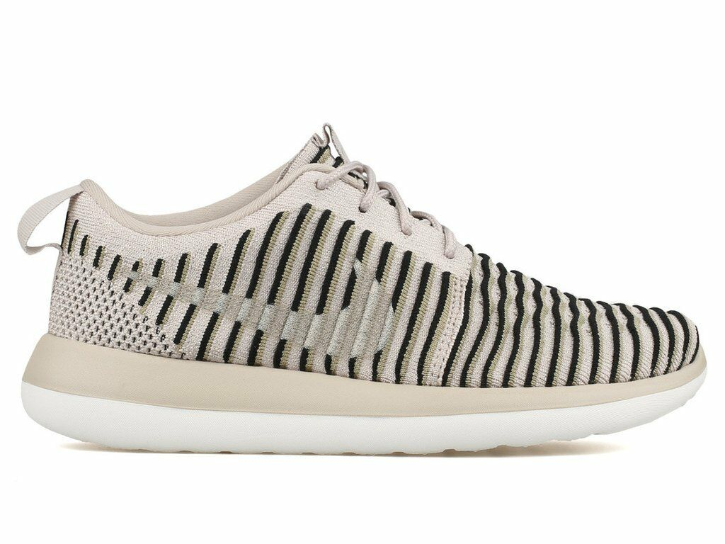 Women's Nike Roshe Two Flyknit Running shoes, Size 10  (844929-200)