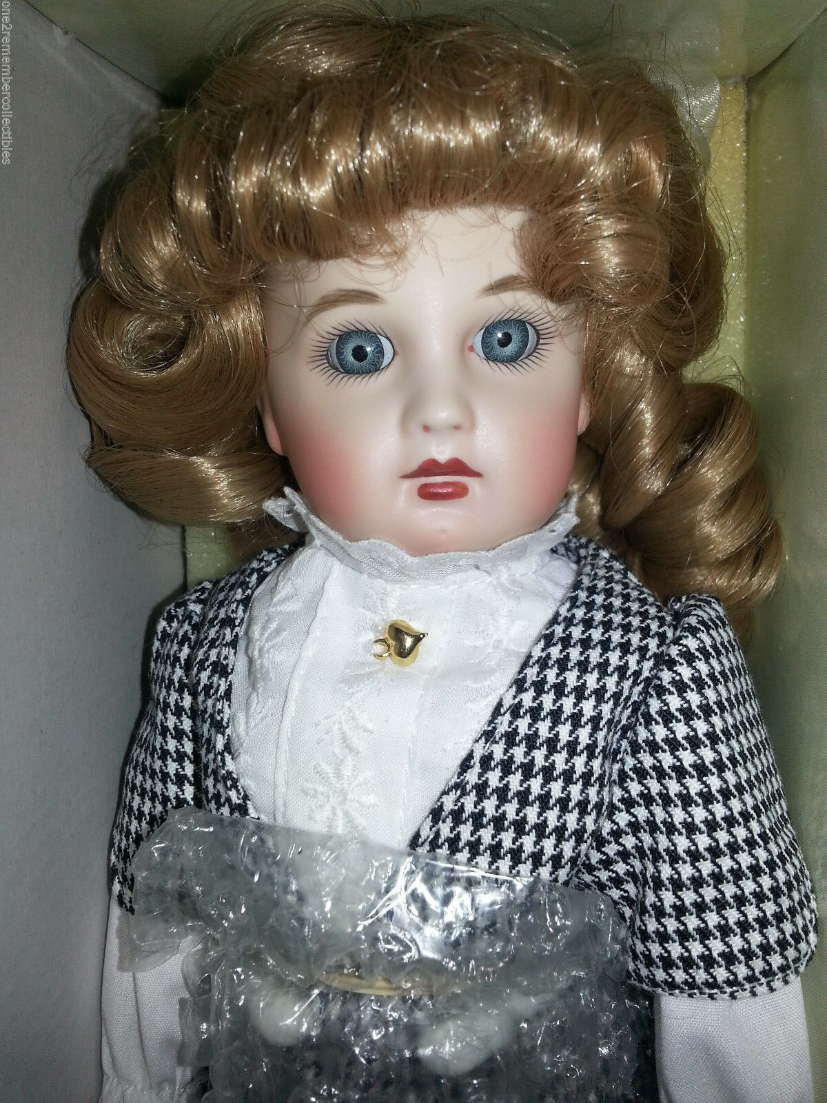 Htuttimark VICTORIAN MEMORIES PORCELAIN bambola 11  Limited Ed  rossoHEAD AgreeAIL nuovo  ordinare on-line