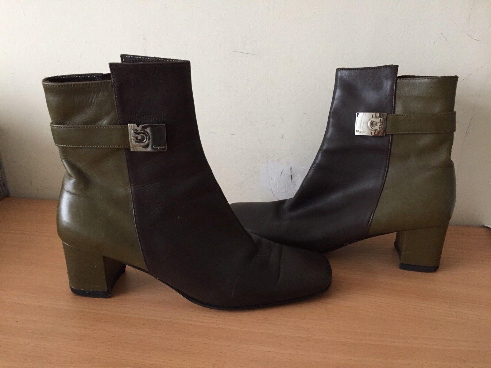 Salvatore Ferragamo 36, UK 3 marrón, botas de Color caqui