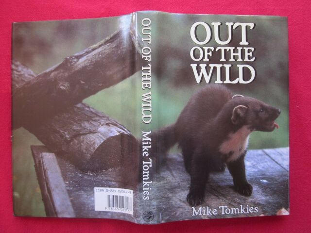 Out of the Wild by Mike Tomkies (Hardback)