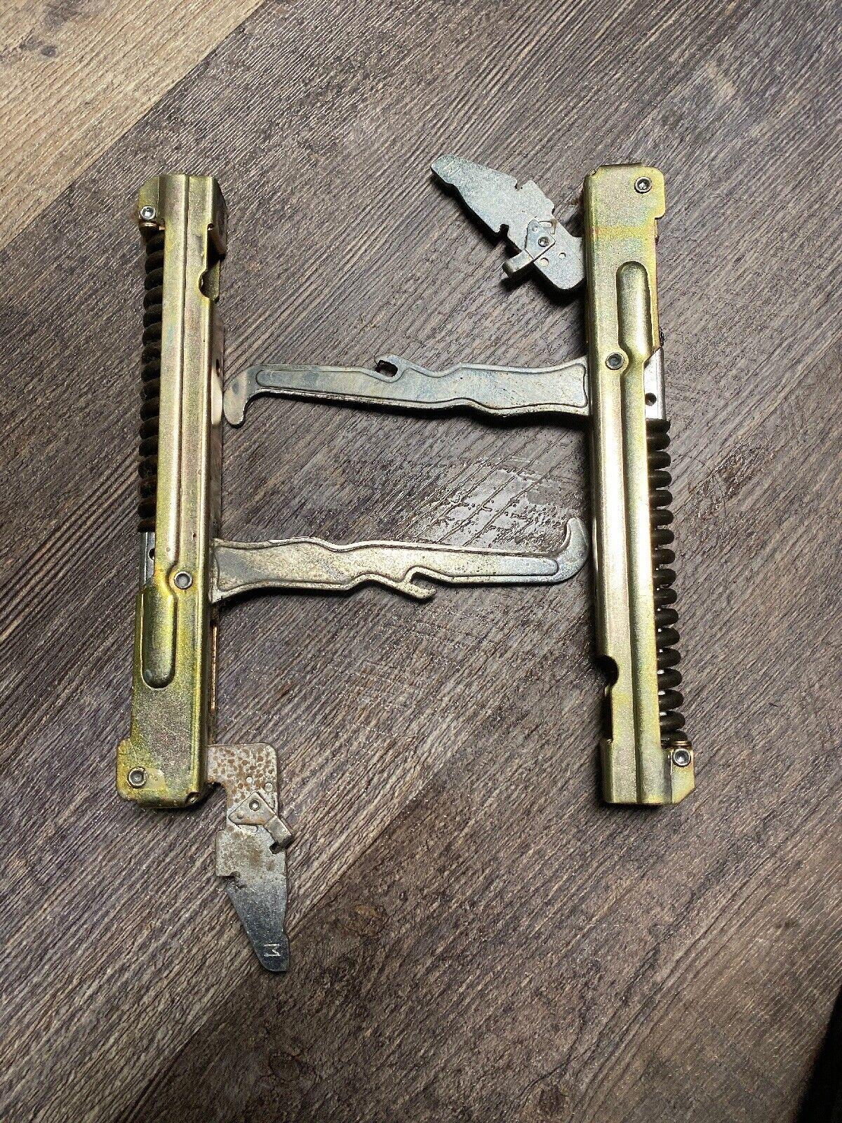Range Oven Door Hinge 486917