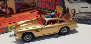 Corgi-261-James-Bond-007-Aston-Martin-DB5-1965