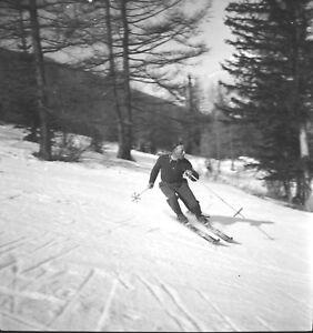 PONT-DES-CHEVRES-c-1938-Chasseur-Alpin-Descente-a-Ski-2-Negatifs-6-X-6-ARA-173