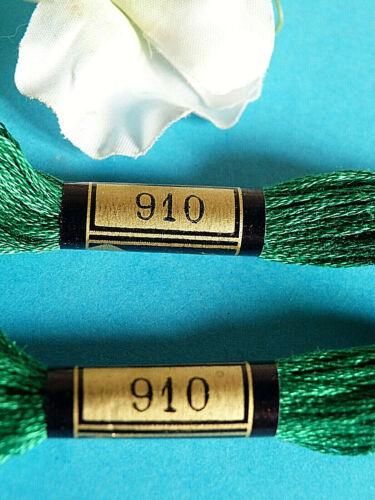 025A// RAVISSANT LOT 2 ÉCHEVETTES MOULINÉ DMC N° 25 COULEUR VERT EMERAUDE N° 910