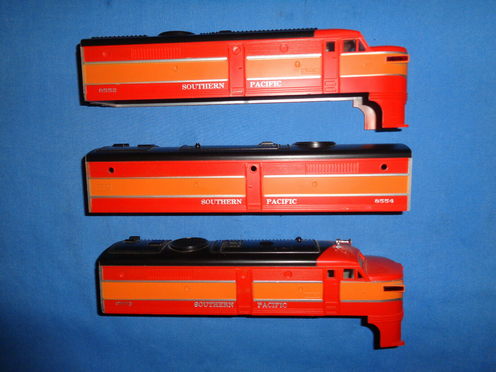 Lionel  68552,  8553 &  8554 Southern Pacific ABA Shells