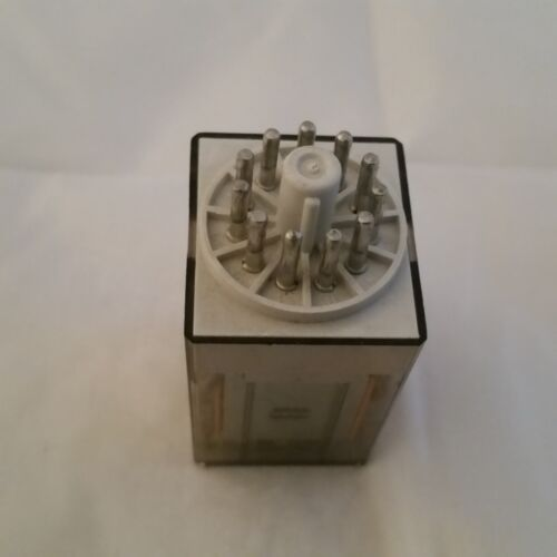 FINDER 11 PIN RELAY 110V COIL 1OA BRAND NEW  PART CODE 60.13.110.0040