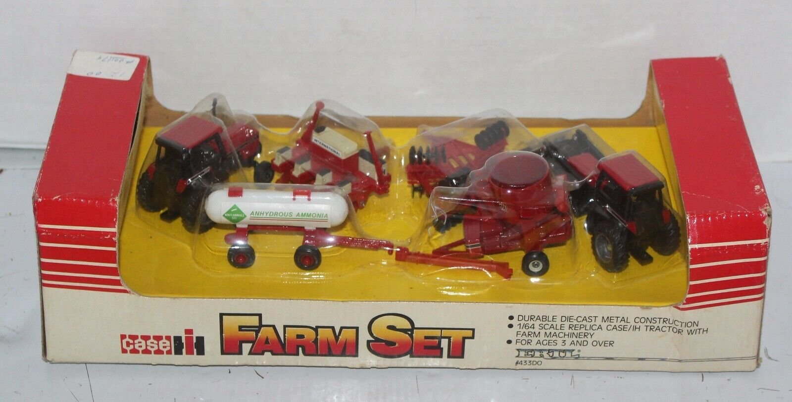 International IH 6 Pc Farm Set 43300 1 64 Ertl Tractor 1986 Combine Tank rot