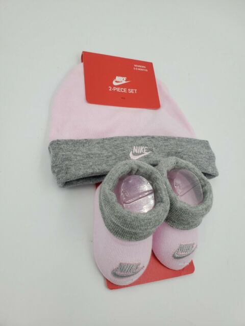 Nike Infant Baby Girls Hat and BOOTIES