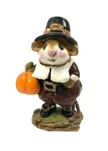 Wee Forest Folk Retired Thanksgiving Peter's Pumpkin Pilgrim M-118