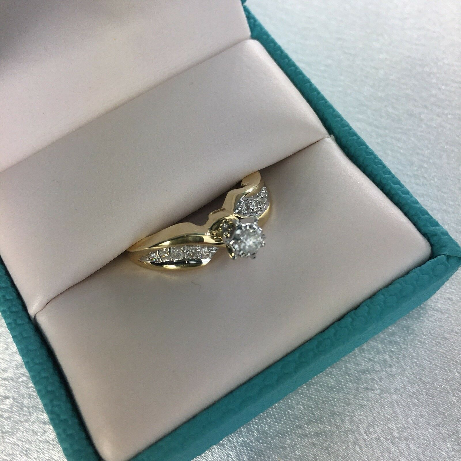 10 K Yellow gold And Diamond Solitaire Ring Size 7