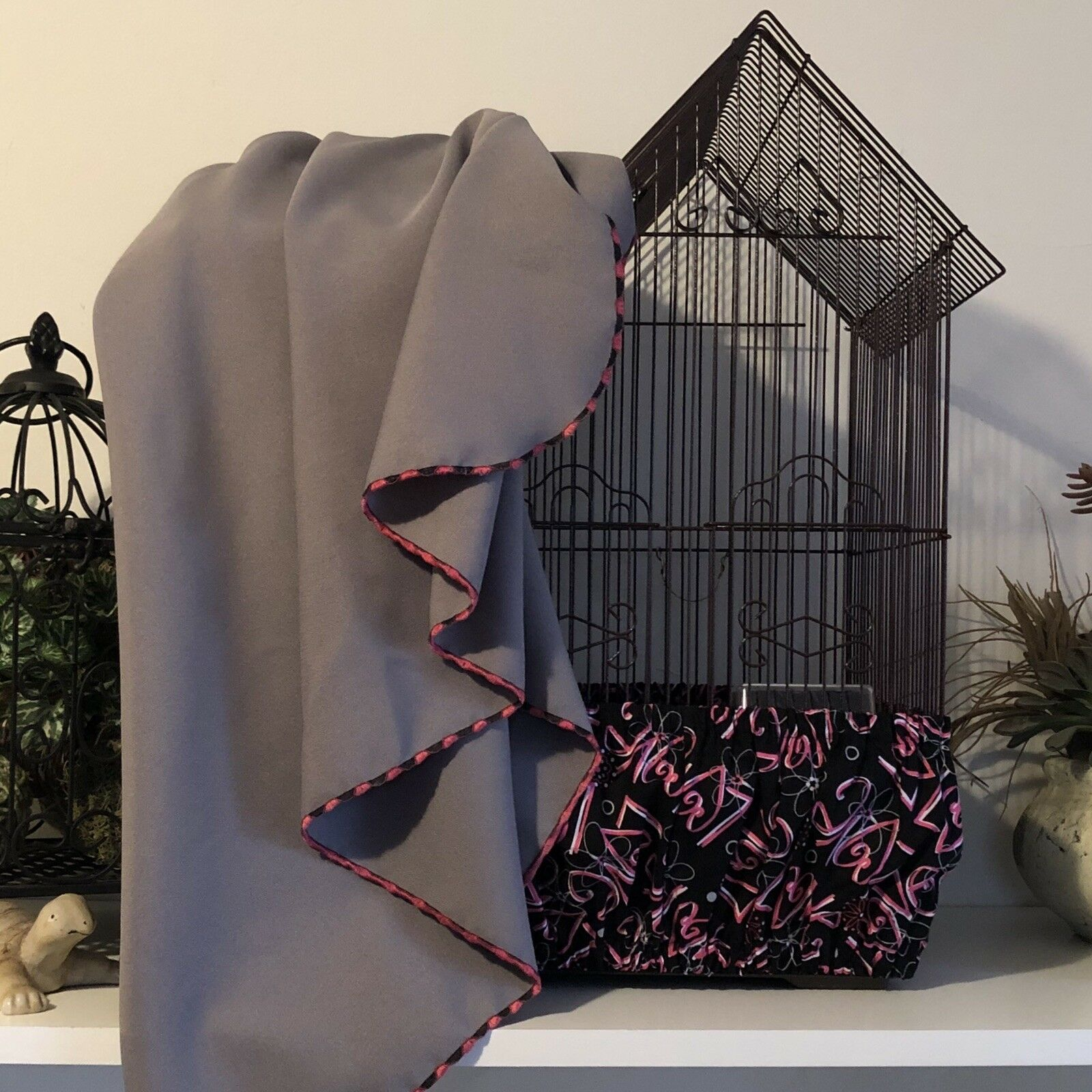 NEW NEW NEW SET Handmade Love-Rosa grau Bird Cage Skirt Seed Catcher & Matching Cover bd2fe5
