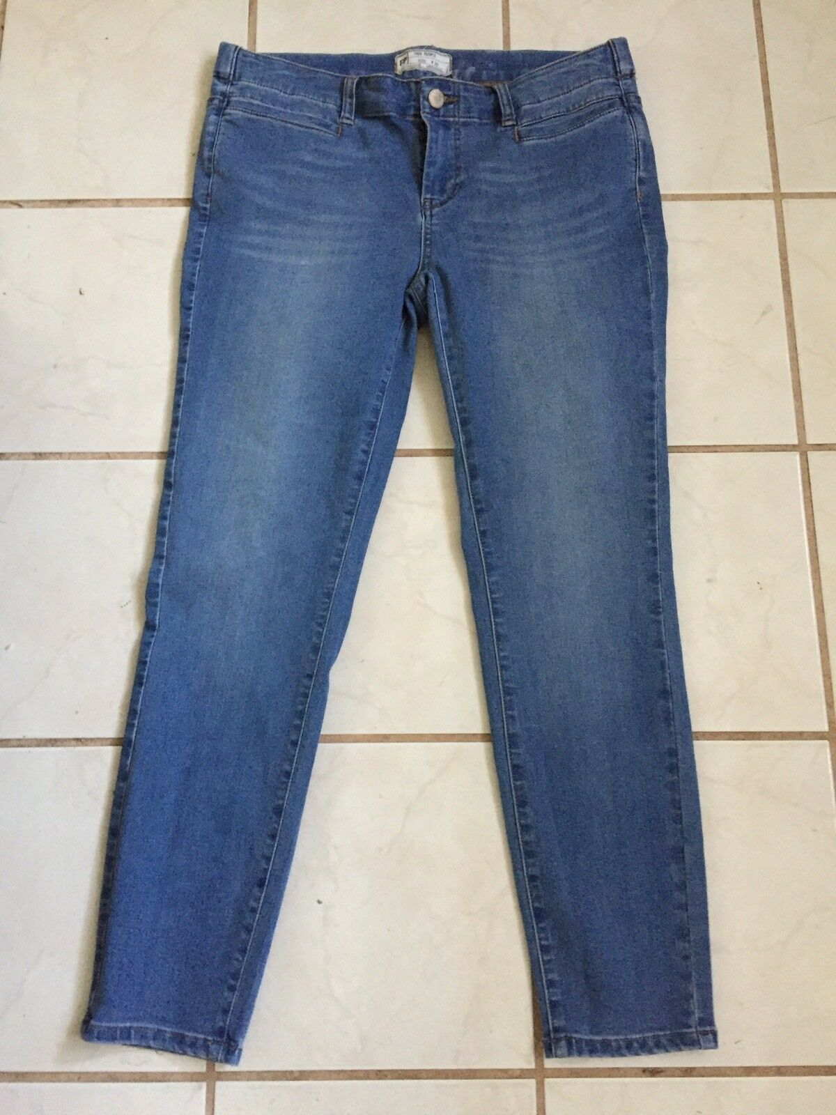 Free People Light Wash Mid Rise Ankle Length Skinny Stretch Jeans Sz 29