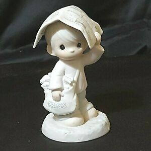 """Vintage Precious Moments Figurine """"Sending You Showers of Blessings"""" 5"""" Preowned"""