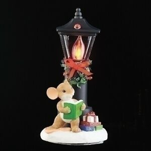 Charming Tails Christmas 2020 Charming Tails Christmas Mouse WIth Lighted Lamp Post New 2020