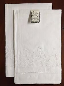 Tulipani/Gulucci Irish Linen Bath Towels, Hand Embroidery (Set of 2): BT89202W
