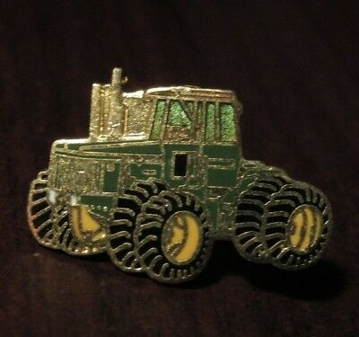 LAPEL PIN FARM MACHINERY JOHN DEERE