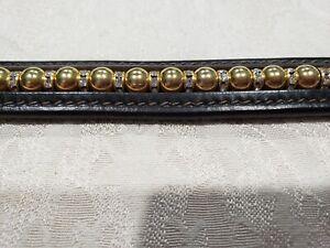 En Cuir Marron Bracelet Avec Ton Or Métal Et Perles Claires Rondells-afficher Le Titre D'origine