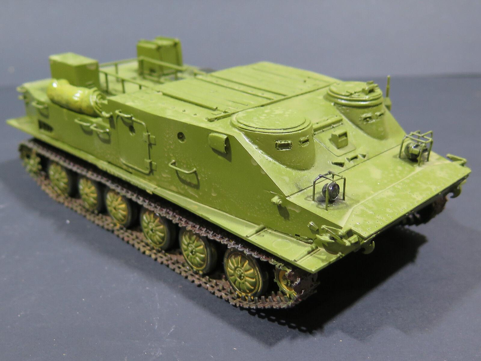 MI0021 - 1  35 PRO BUILT trumpetare BTR -50 TK SOVIET APC