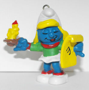 Christmas-Smurfette-Singing-with-Candle-51909-Figurine-2-inch-Plastic-Figure