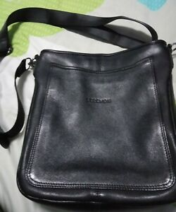 Leather-Zipped-Bag
