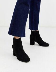 block heel in black faux suede Size UK