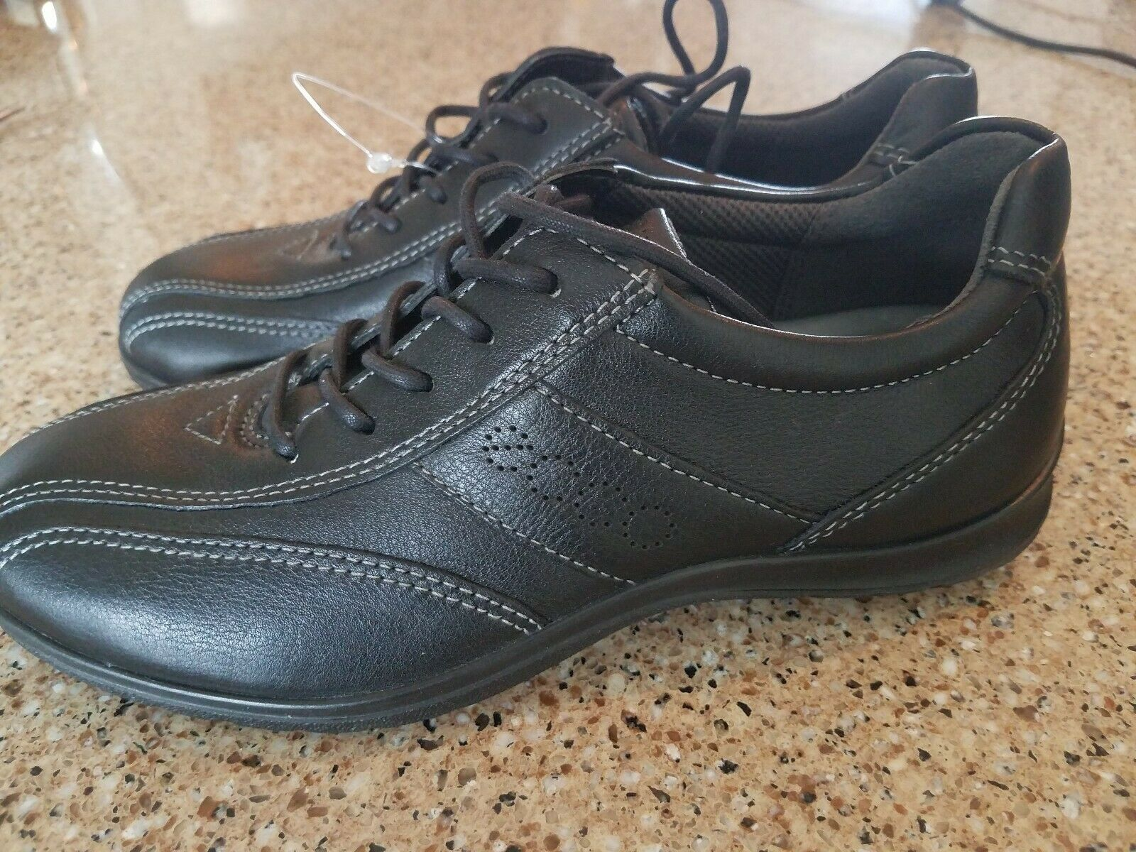 NWOB Ecco black Lace Up Sport Sneaker oxford Leather shoes shoes shoes womens Size 35 US 5 d8af27