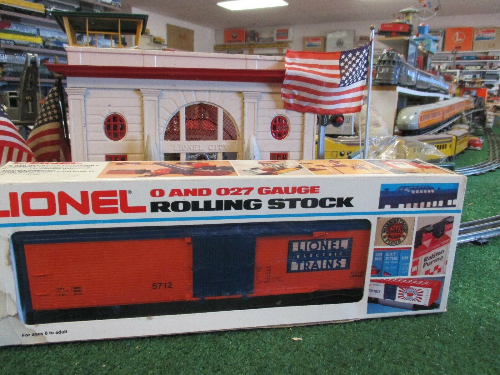 LIONEL MODERN ERA 5712 LIONEL TOC orange AND blueE REEFER RARE   NEW BOXED SHARP