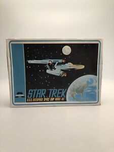 Aurora-Star-Trek-U-S-S-Enterprise-1972-Kit-No-921-Bausatz-in-OVP