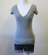 Abercrombie & Fitch Hollister V Neck Stretch Fitted Knit Tee Shirt Top Blouse XS