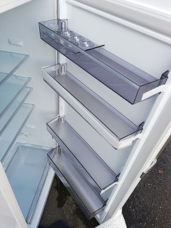Andet køleskab, Blomberg