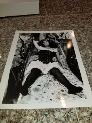 VINTAGE 8 X 10 PHOTOGRAPH FROM IRVING KLAWS ARCHIVES OF MADELINE KAHN LOT #2