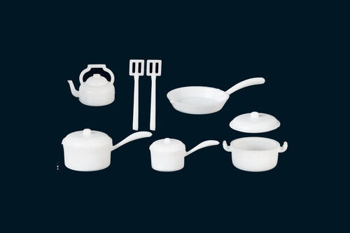 White Kitchenware Pots & Pans Set, Dolls House Miniature,1.12 Scale