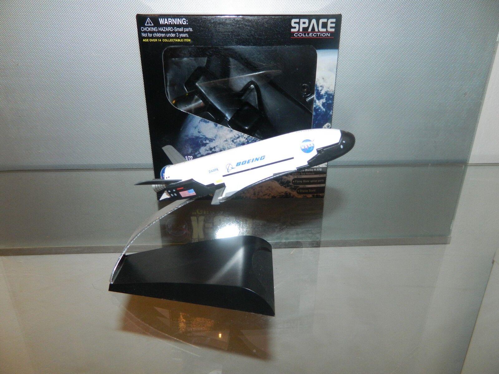 NASA Boeing X-37B OTV Orbital Test Vehicle (Glide Test) 1:72 SPACE Collection