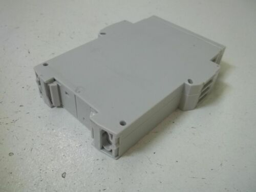 SCHLEICHER ZG1W1A1-33P76-00A TIMER TYPE NGZP 31 0,5S-10S *NEW IN BOX*