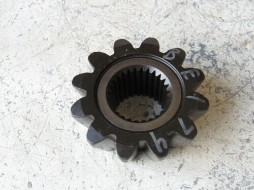 Details about  /John Deere M136870 Front Axle Gear 12T to Tractor