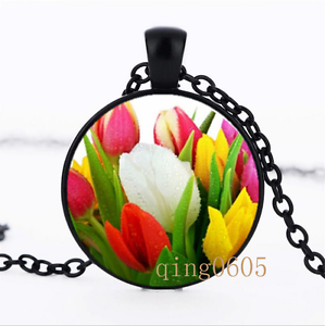 Colorful monde Tulipe Bouquet dôme en verre noir chaîne collier pendentif en gros
