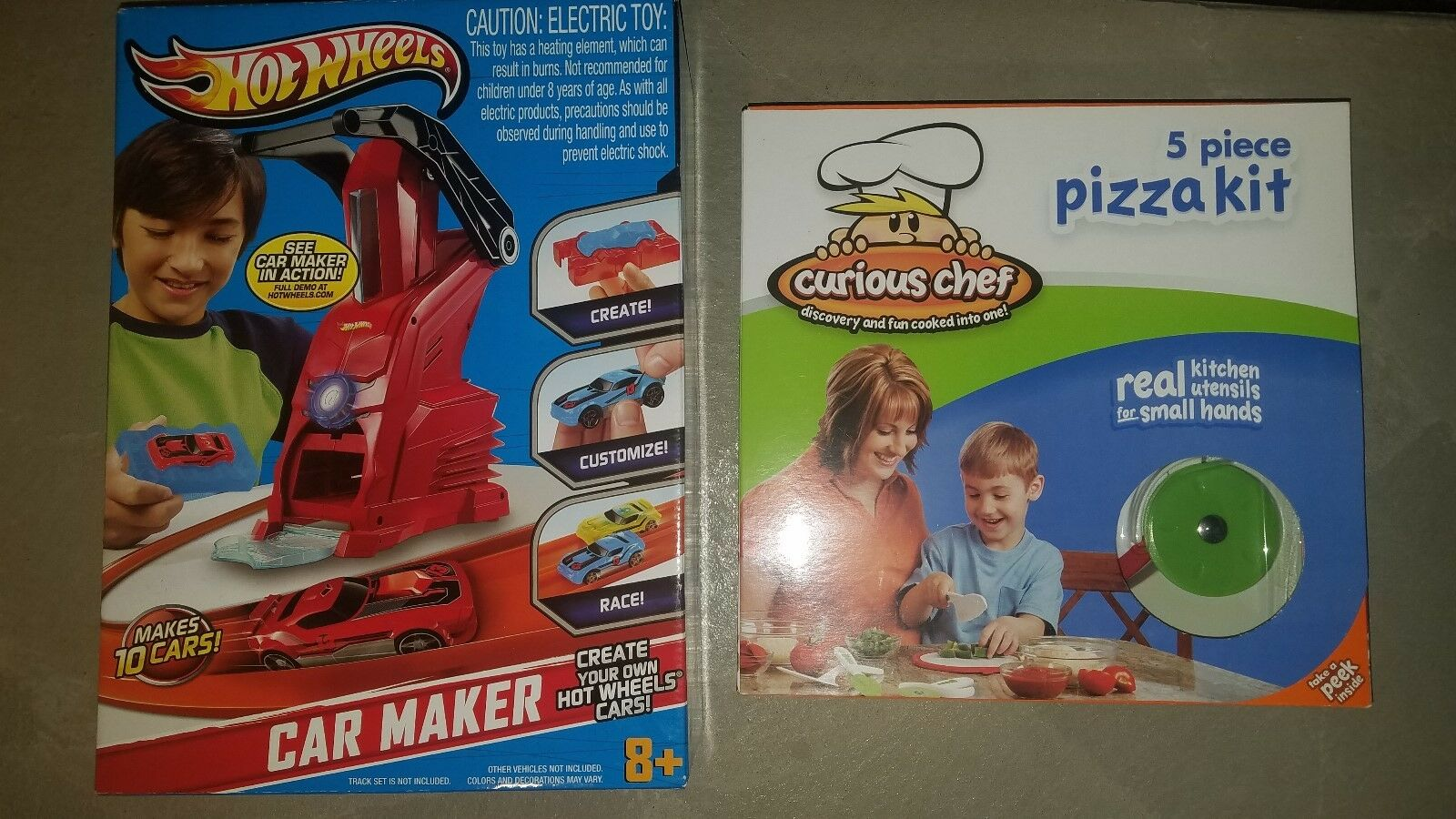 New Hot Wheels Car Maker Playset Hot Rod Toy Mold and Press New in Box
