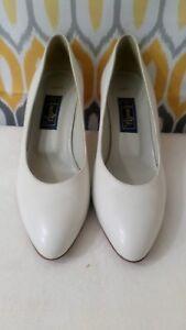 dc702c15f7 Amalfi Patty Womens White Pumps Dress Work Shoes 3 inch Heel Size 8 ...