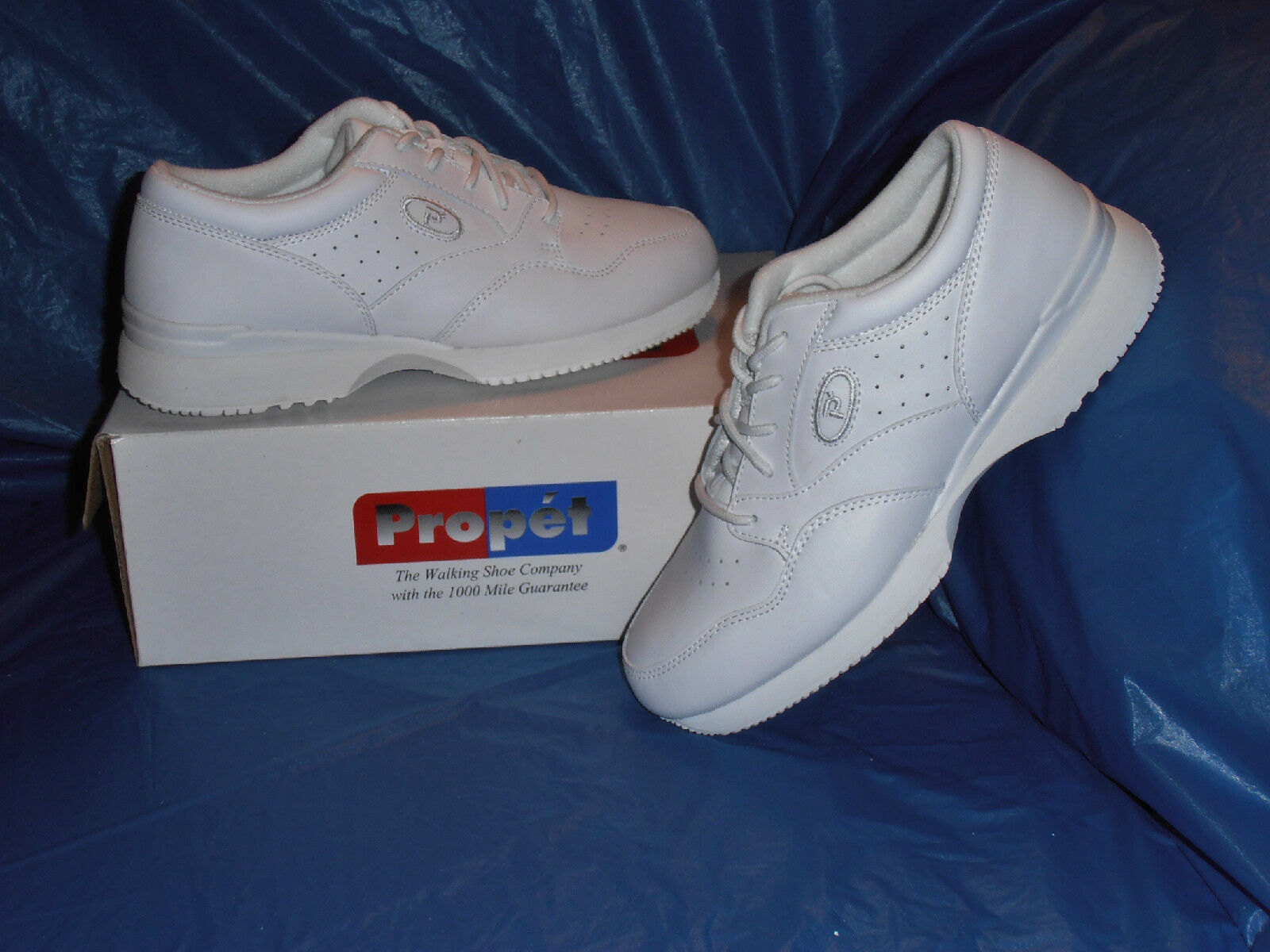 Propet M3704   Mens Lite Walking shoes,  White  Size  11 1 2  XX  ( EEEEE )
