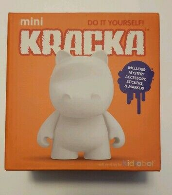 Kidrobot MUNNYWORLD Mini Rooz Do It Yourself DIY White KR New MUNNY Blind Box