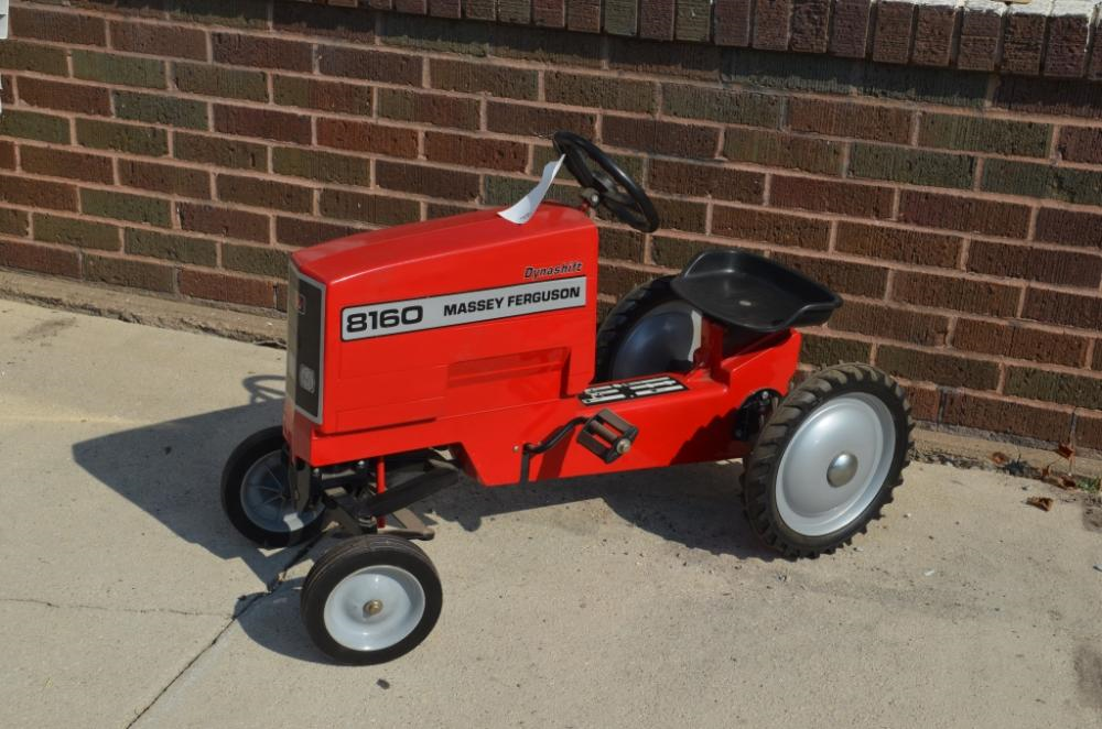 Massey Ferguson 8160 Dynashift Wide Front Pedal Tractor NIB  Hard To Find