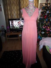 VINTAGE LADIES PEACH LONG NIGHT GOWN WITH LACE DETAIL 1960/70s SIZE 12 NEW